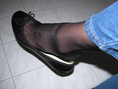 well worn 5th Avenue leather sabrinas, nylons and jeans (Isabelle.Sandrine2001) Tags: wellworncomfy5thavenue jeans nylons stockings legs feet tattoo shoeplay dangling leather pumps ballerinas sabrinas