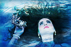 floating....undersea (glasskunstler) Tags: shellsgemsfloatingmaiden water mermaid woman queen waves bubbles floating crown pearls jewels reflections gaze undersea ocean sand art portrait refractions blue shadows peace tranquility