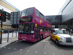 Rail replacement buses on Smallbrook Queensway, Birmingham - Vamooz (ell brown) Tags: smallbrookqueensway birmingham westmidlands england unitedkingdom greatbritain bankholidaymonday springbankholidaymonday bus buses railreplacementbus railreplacementbuses tree trees vamooz taxi taxis stmartinsqueensway bullringlinkbridge tkmaxx