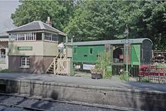 Alresford Station, 31 Aug 2000 (Ian D Nolan) Tags: railway mhr station 35mm epsonperfectionv750scanner alresfordstation