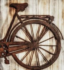 RUSTING AGAINST THE WALL (sedatozmen) Tags: rust bicycle 49 model week49 dashweek49 rustsdt bicyclesdt weeksdt varsdt