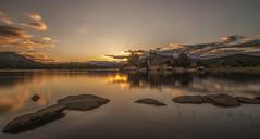 Reflejos. (Amparo Hervella) Tags: embalsedelburguillo ávila españa spain nube reflejo naturaleza color largaexposición d7000 nikon nikond7000