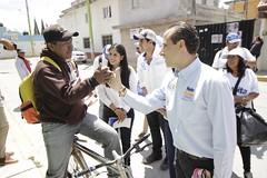 Mario Riestra con vecinos de Flor del Bosque. (Mario Riestra) Tags: marioriestra puebla propuestas acciones impulsar apoyo mujeres jóvenes emprendedores defrentealfuturo