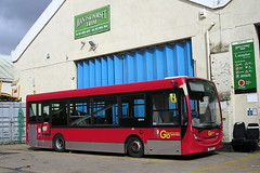 Go Ahead London. YX11 FYT (KK70088) Tags: bus britishbuses servicebus goahead londonbus alexanderdennis enviro200 hantsdorsettrim yx11fyt