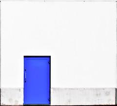 blue door (TeRo.A) Tags: blue door sininen ovi seinä wall rtv lahti framed kehystetty