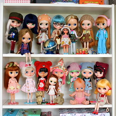 "Belated dolly shelf sunday • <a style=""font-size:0.8em;"" href=""http://www.flickr.com/photos/32082400@N00/28998853148/"" target=""_blank"">View on Flickr</a>"