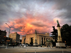 Grand Army Plaza 2018 Sunset (Alexander H.M. Cascone [insta @cascones]) Tags: nyc new york city brooklyn park prospect nature sky sunset clouds colors grand army plaza grandarmyplaza library entrance spring magical dusk slope heights