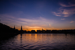 Hamburg Binnenalster silhouette (yeleh) Tags: hamburg alster binnen binnenalster water river night sunset sky light