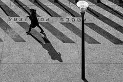 I'm walking 3 (Leipzig_trifft_Wien) Tags: marseille provencealpescôtedazur frankreich fr street streetphoto streetphotography streetlife lamp stripes shadow shadowplay human life person people urban bnw blackandwhite blacknwhite noiretblanc