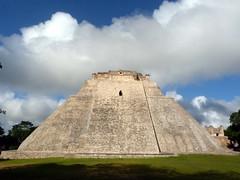 Uxmal, 2017 (_EdG_) Tags: mexico yucatan maya pyramid building uxmal clouds sunny