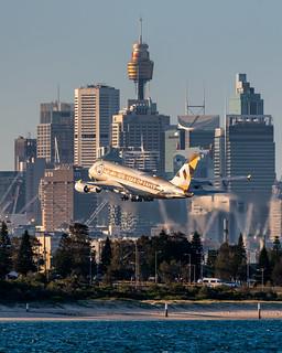 A6-APH Etihad Airways Airbus A380-861 34L Sydney Airport SYD/YSSY 17/5/2018