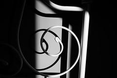 Haearn gyr / Houarn-goveliet / Iarann toinnte / Iarann saoirsithe / Burdina forjatu (Rhisiart Hincks) Tags: blackandwhite bw zuribeltz blancetnoir blackwhite monochrome unlliw blancoynegro zwartwit sortoghvid μαύροκαιάσπρο feketeésfehér juodairbalta melnsunbalts černýabílý czarnyibiały mnyamanokumhlophe pangometema houarngoveliet burdinaforjatu ovanáocel hierroforjado kovácsoltvas ferrobattuto haearngyr wroughtiron ferforgé schmiedeeisen сварочноежелезо forĝitafero iarannsaoirsithe iaranntoinnte cysgodion itzalak skeudoù shadows ombres dubharan scáthanna blancinegre duagwyn gwennhadu dubhagusgeal dubhagusbán