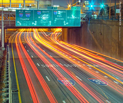 Night trails on KC Downtown Loop (10sec), 1 Dec 2017 (photography.by.ROEVER) Tags: night nightphoto nightphotograph nightphotography kc kcmo kansascity missouri downtown downtownkc downtownkansascity loop downtownloop i670 interstate freeway i70alt road highway light lighttrails longexposure 10seconds 10sec sign december 2017 december2017 usa
