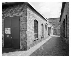 Heyne Fabrik #1 (Christoph Schrief) Tags: offenbach heynefabrik shenhaohzx45 schneidersuperangulon890 ilfordfp4 rodinal501 epsonperfection750 silverfast grossformat largeformat 4x5 analog sw bw