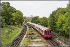 S7-stock 21540, London Wimbledon Park, 23-9-2017 (Allard Bezoen) Tags: trein train zug treinstel underground s7 stock s7stock tube london londen 21540 wimbledon park station district line