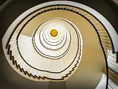 Golden Eye (Körnchen59) Tags: treppe nordsternhaus spirale stairwell staircase hamburg körnchen59 elke körner sony5000