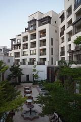 2018-06-FL-191498 (acme london) Tags: alnaseem courtyard dubai hotel jumeirah madinat plaster resort timber woodsbagot