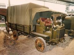 1917 FWD Model B, Duxford 1992 (Richard.Crockett 64) Tags: fwd fourwheeldrivecompany modelb 1917 militaryvehicle britisharmy guntractor artillery artillerytractor ww1 worldwarone thegreatwar imperialwarmuseum duxford airfield cambridgeshire truck lorry 1992