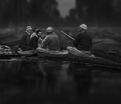 morning gossip (tchakladerphotography) Tags: lake dal kashmir boat light people person atmosphere mood tradition