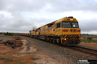 AC4301 AC4305 5416 empty ore Gibson crossing loop 5 April 2018