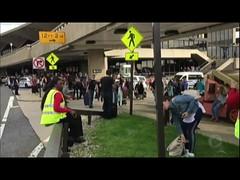 Panela de pressão gera suspeita de bomba e esvazia terminal de aeroporto nos EUA (portalminas) Tags: panela de pressão gera suspeita bomba e esvazia terminal aeroporto nos eua