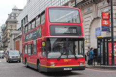 Go Ahead London General . PVL395 LX54HBB . Buckingham Palace Road , Victoria , London . Friday 25th-May-2018 . (AndrewHA's) Tags: victoria london bus goahead londongeneral commercial route 811 chelsea flower show non tfl volvo b7tl alexander plaxton president pvl 395 lx54hbb