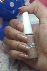 Que nude maravilhoso! Grão de Arroz - Risque (Queen the Vampire) Tags: nailpolish nails unha esmalte clubedoesmalte