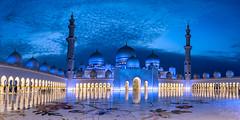 Sheikh Zayed Mosque after sunset (Siebring Photo Art) Tags: abudhabi emirates sheikhzayedmosque uae bluehour bluesky clouds islam mirrorimage skyline sunset verenigdearabischeemiraten ae