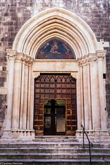 Ingresso maestoso (SDB79) Tags: sulmona ingresso cattedrale chiesa arte cultura architettura portone street