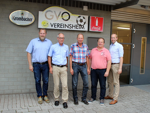 Besuch beim Sportverein GVO Oldenburg in Osternburg mit Ulf Prange MdL (links).