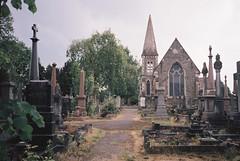 Avonview Cemetery (knautia) Tags: avonviewcemetery stgeorge bristol england uk may 2018 film ishootfilm olympus xa2 fuji superia 400iso olympusxa2 nxa2roll20 cemetery graveyard gravestone