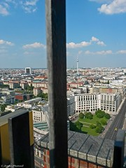 Aussicht Panoramapunkt Berlin (Jenke-PhotozZ) Tags: berlin panoramapunkt panorama ausblick aussicht view skyline leipzigerplatz fernsehturm buildings potsdamerplatz kollhofftower berlinstyle skyscrapers mylove iloveberlin europe city bluesky mallofberlin berlin365