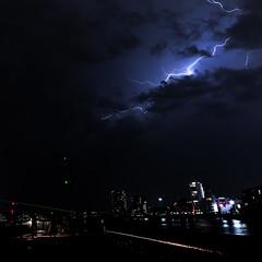 180526 7507 (steeljam) Tags: steeljam lightpainters meetup lightning o2 greenwich thames