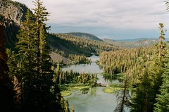 Twin Lakes, Mammoth Mountain, California, septembre 2017 (Marine Beccarelli) Tags: twinlakes mammothlakes california analogue analog film filmphotography canonae1 mammothmountain 35mm twinfalls