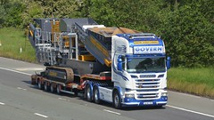 152-MH-1709 (panmanstan) Tags: scania r730 wagon truck lorry commercial heavy haulage lowloader freight transport vehicle m6 motorway highlegh cheshire