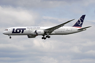 LOT Polish Airlines Boeing 787-95D SP-LSB WAW 19-05-18