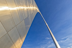 Ribbon in the Sky (Alan Amati) Tags: amati alanamati america usa us midwest missouri mississippi river stlouis saintlouis arch gateway expansion memorial national steel ribbon sky art public reflection metal abstract lookingup curve topf25 topf50 topf100 topf150