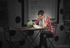 La pause ou pose lecture ... ( P-A) Tags: modèle terrasse lecture urbaine femme jeune jolie mode style livre culture repos photos simpa©