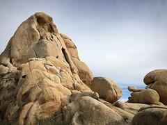 Climber's paradise (PeterCH51) Tags: joshuatreenationalpark jtnp rock rocks intersectionrock california usa iphone peterch51 climbing boulder