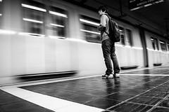 La vida passa de llarg (Ramon InMar) Tags: barcelona city ciutat metro underground speed velocitat blancinegre blackandwhite bw
