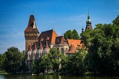 Burg Vajdahunyad, Budapest (Jutta Achrainer) Tags: achrainerjutta budapest fe24–240mmf35–63oss sonyalpha7riii burgvajdahunyad burg ungarn stadtwäldchen