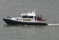 PERTH AMBOY POLICE Marine Unit, in New York, USA. May, 2018 (Tom Turner - NYC) Tags: perthamboy perthamboypolice perthamboypoliceboat boat policeboat narrows patrol lawenforcement security nyc newyork usa unitedstates tomturner bigapple marine maritime pony port harbor harbour transport transportation police fleetweek fleetweek2018 fleetweeknyc spot spotting water waterway channel bay