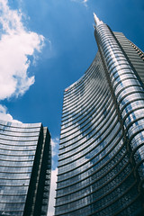 (Marco Miani) Tags: architettura grattacielo edificio buildings cielo piazza gae aulenti milano italia sky lines linee geometria