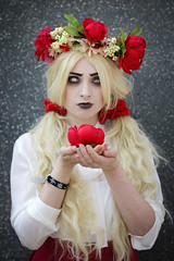 Don't Starve Wendy cosplayer at ExCeL London's MCM Comic Con, May 2018 (Gordon.A) Tags: london docklands londondocklands excel excellondon excellondonexhibitioncentre moviecomicmedia mcm con convention comicbookconvention comiccon mcmcomiccon mcmlondon comicconlondon comicconlondonexcel 2018 may2018 mcm2018 creative costume culture lifestyle style dontstarve wendy cosplay cosplayer cosplayportrait cosplayphotography festival event eventphotography amateur pose posed portrait portraitphotography streetportrait streetphotography colourportrait colourstreetportrait naturallight naturallightportrait canon eos 750d canoneos750d digital sigma sigma50100mmf18dc