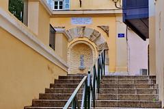 362 - Bastia, rue Fontaine neuve (paspog) Tags: bastia corse france mai may 2018 ruefontaineneuve fontaine fountain