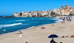 Sicilian siesta (werner boehm *) Tags: wernerboehm sizilien beach cefalu italy strand cityscape stadtansicht