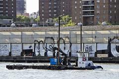 r_180524302_beat0044_a (Mitch Waxman) Tags: eastrivershoreline newyorkcity tugboat newyork