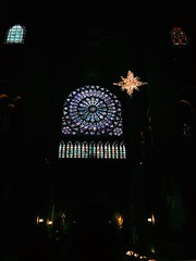 (maycambiasso98) Tags: europe travel visit sun colour color light glass vitral history church iglesia francia france paris notredam notredame dame notre