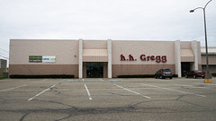 h.h. Gregg (Nicholas Eckhart) Tags: america us usa anderson indiana in 2018 retail stores former closed vacant empty shuttered hhgregg electronics