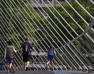 Patinando en el arpa de Bilbao